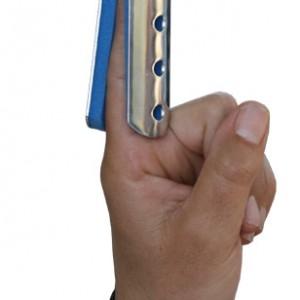 תקן אלומיניום לקיבוע אצבע DKR עם ריפוד ספוג כחול FINGER SPLIN