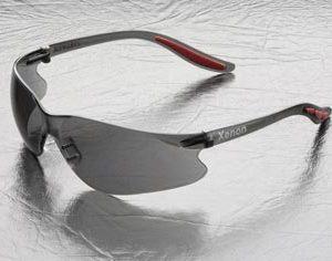 משקפיים בטיחות קסנון Elvex קלות במיוחד.
